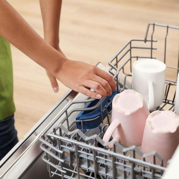 9 utensilios de cocina que nunca deberías meter en el lavavajillas