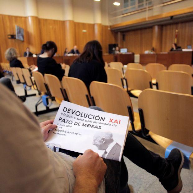EuropaPress 3222626 personas publico sostiene cartel concentracion convocada puertas juzgados