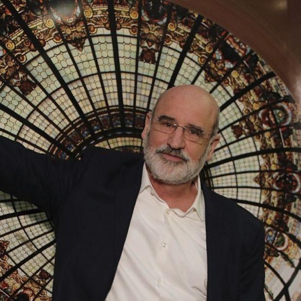 Fernando Aramburu se suma a las críticas al cartel de 'Patria', serie inspirada en su novela