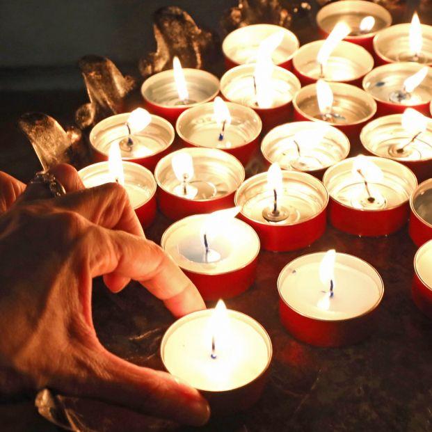 Despedidas simbólicas ante la falta de velatorios: altares, cartas o encuentros virtuales