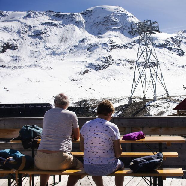 El Gobierno se plantea 'rejuvenecer' los viajes del Imserso para salvar el turismo en invierno