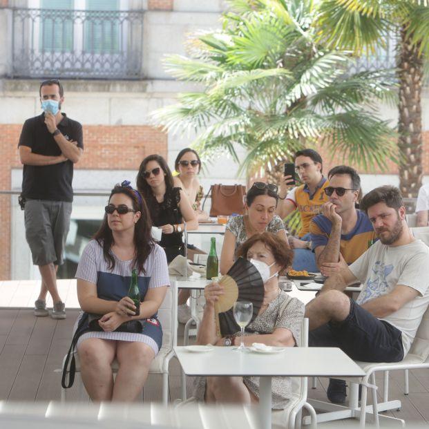 Madrid limita las reuniones a 10 personas y reduce aforo en iglesias y hostelería
