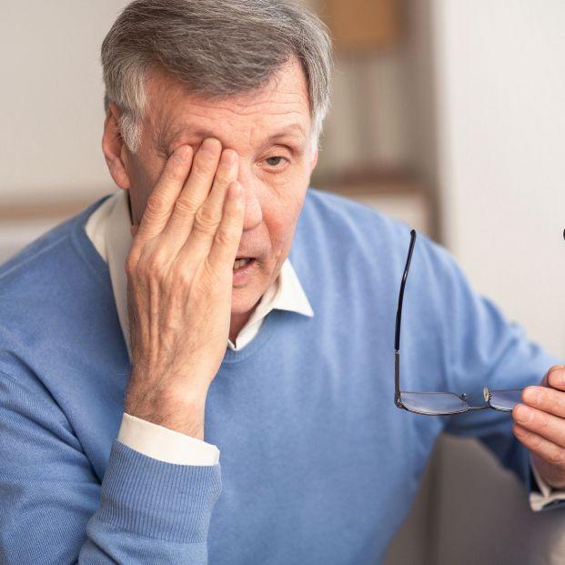 ¿Qué es la miastenia? Los síntomas de esta enfermedad comienzan por los músculos que rodean los ojos