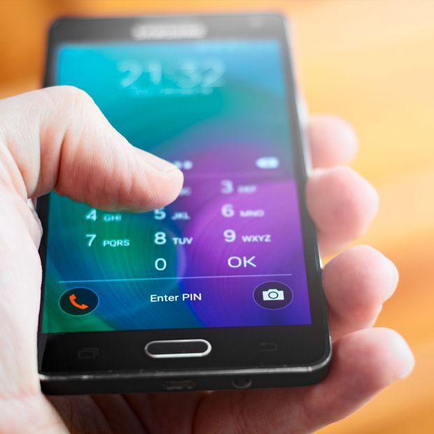 El 'SIM swapping' es un peligroso fraude que consiste en duplicar tu tarjeta SIM del teléfono