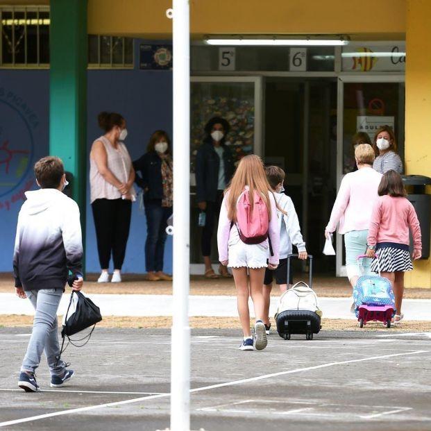 Los mayores ven necesario abrir las aulas y piden que se garantice la salud de profesores y alumnos