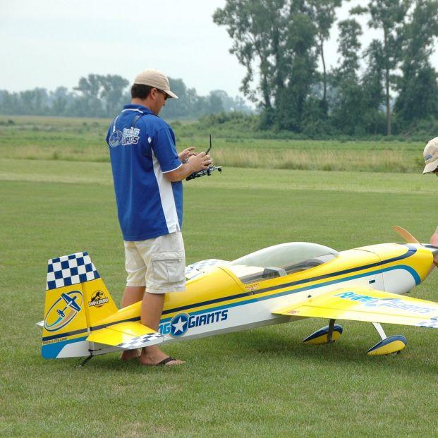 Soy principiante, ¿dónde puedo practicar aeromodelismo? (big stock)
