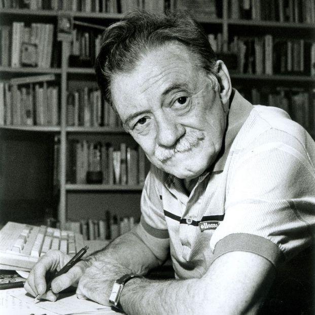 Sabina, Rozalén, Marwan y Luis García Montero homenajearán al poeta Mario Benedetti en su centenario