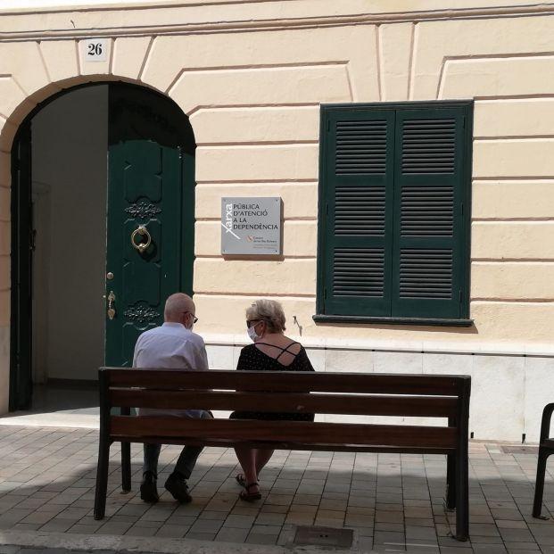 Dos abuelos logran la custodia de su nieto y que los padres paguen una pensión alimenticia