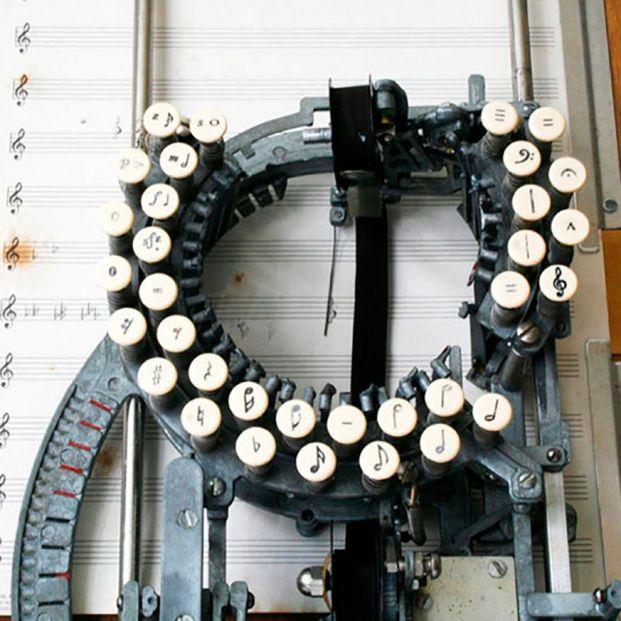 La máquina de escribir de las partituras musicales
