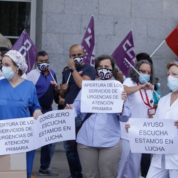 """Los médicos alertan de la situación """"límite"""" del sistema sanitario"""