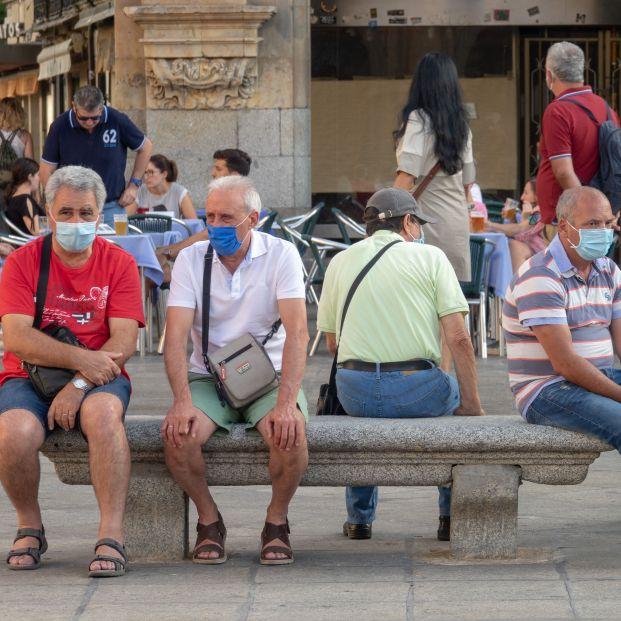 EuropaPress 3286597 turistas mascarilla plaza mayor ciudad salamanca pandemia covid19 salamanca (1)