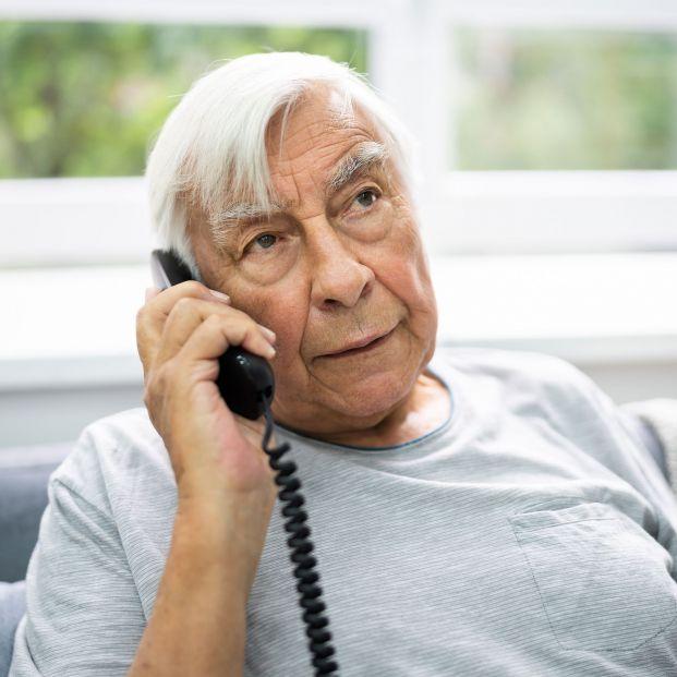 FACUA insta a la Seguridad Social a eliminar sus líneas 901