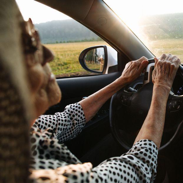 """Los mayores, sobre la propuesta de marcarles con una 'M' para conducir: """"Es discriminatorio"""""""