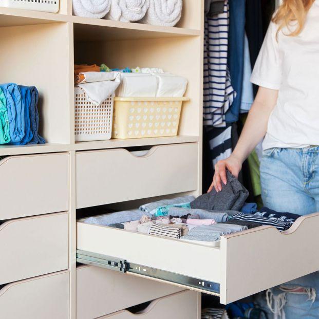 Cómo hacer un cambio de armario sencillo e inteligente