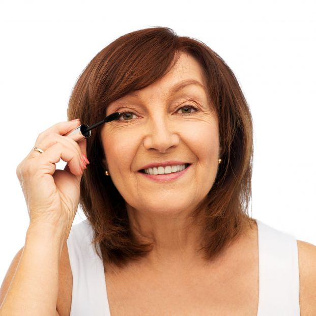 Trucos súper fáciles de maquillaje para parecer mucho más joven
