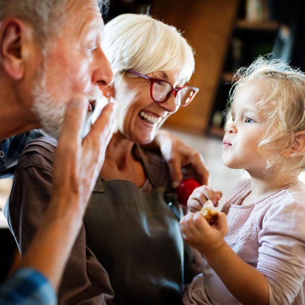 Pautas para cuidar de los abuelos en época COVID-19
