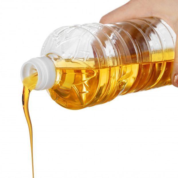 El truco oculto que esconden los envases de aceite y que casi nadie conocía