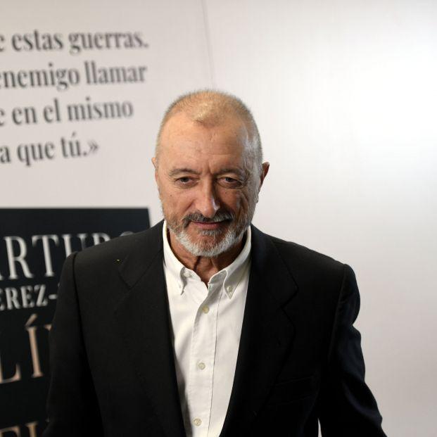 """Arturo Pérez-Reverte: """"Los políticos han reabierto la Guerra Civil española"""""""