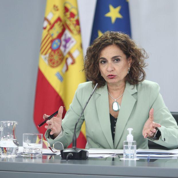 Montero confirma que se revisará la fiscalidad de planes de pensiones para potenciar los colectivos