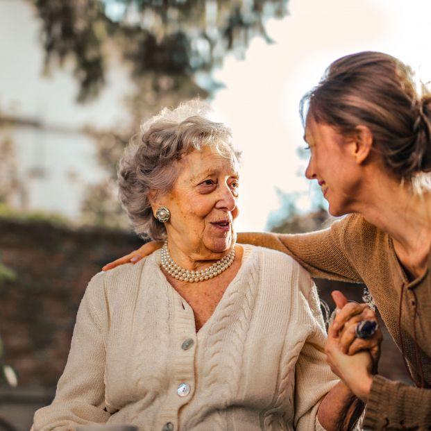 Almagro Capital se incorpora a Madrid Futuro para favorecer el bienestar de las personas mayores. Foto: Andrea Piacquadio