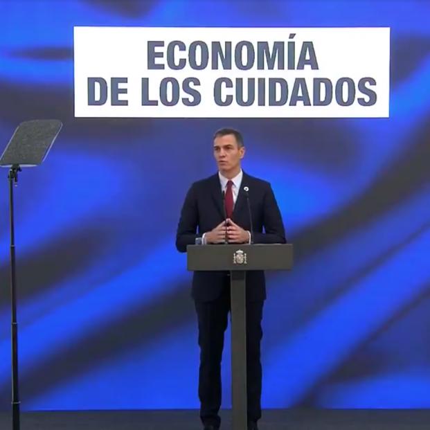 """Sánchez impulsará la """"nueva economía de los cuidados"""" con el foco puesto en mayores y dependientes"""