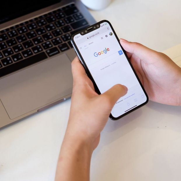 Informe Ditendria 2018: Así se usa el smartphone en España (big stock)