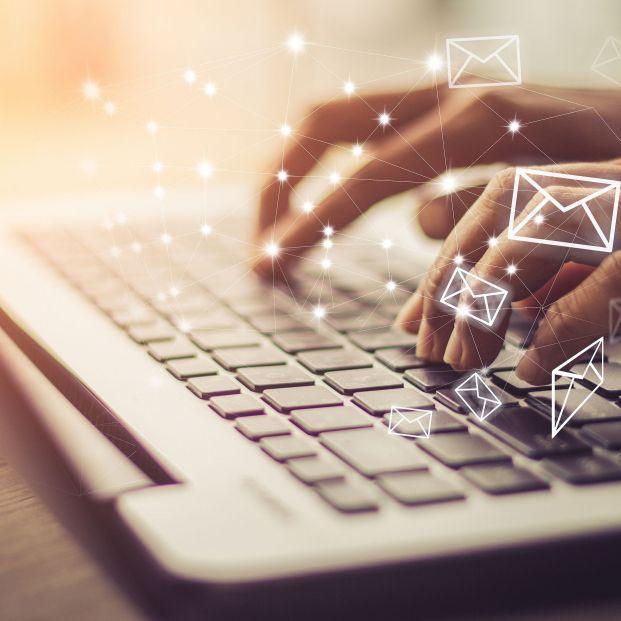 Multas de hasta 6.250 euros por enviar emails fuera de la jornada laboral