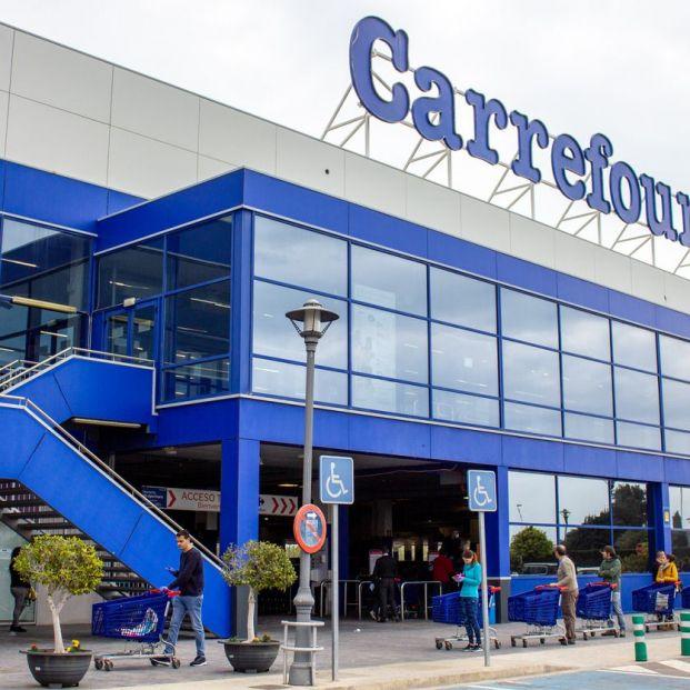 Carrefour se alía con Ikea: puedes comprar muebles y recogerlos en el supermercado