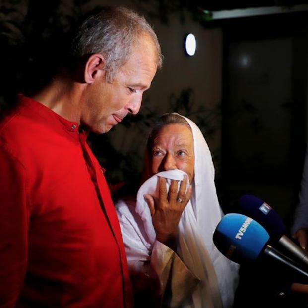 Llega a Francia la cooperante de 75 años secuestrada en Mali