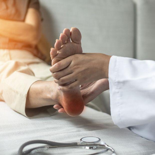 Dolor en la planta del pie: ¿espolón o fascitis plantar?