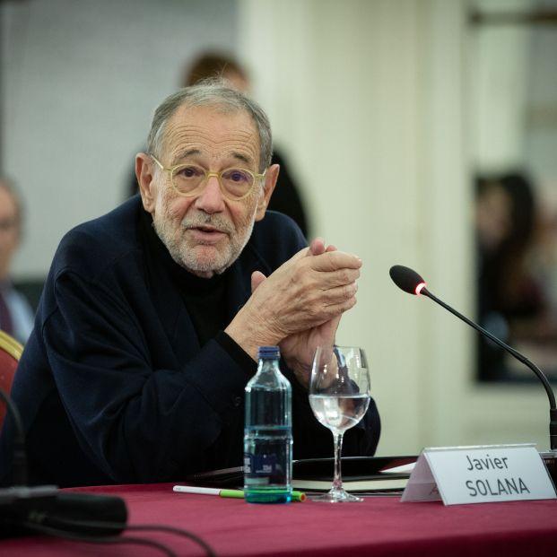 Javier Solana apela al espíritu de concordia de la Transición ante la polarización que vive España