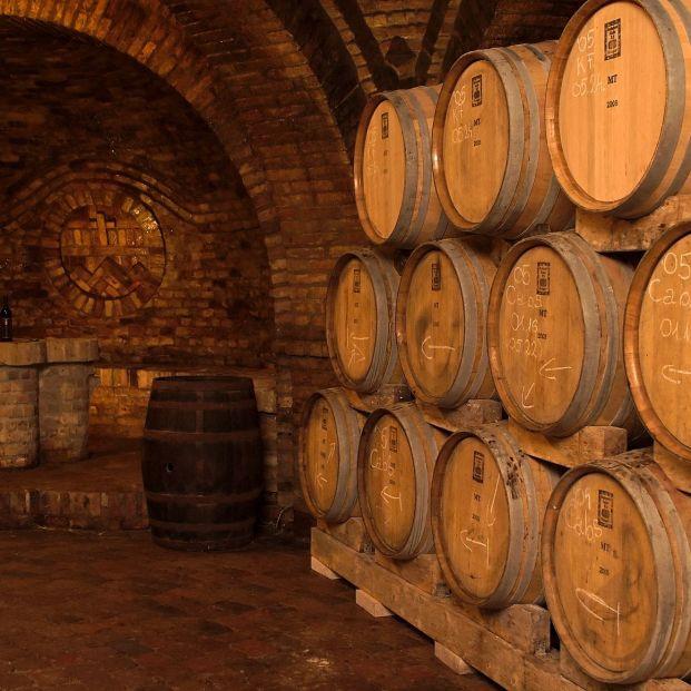 La diferencia entre un vino de cosecha, crianza y reserva