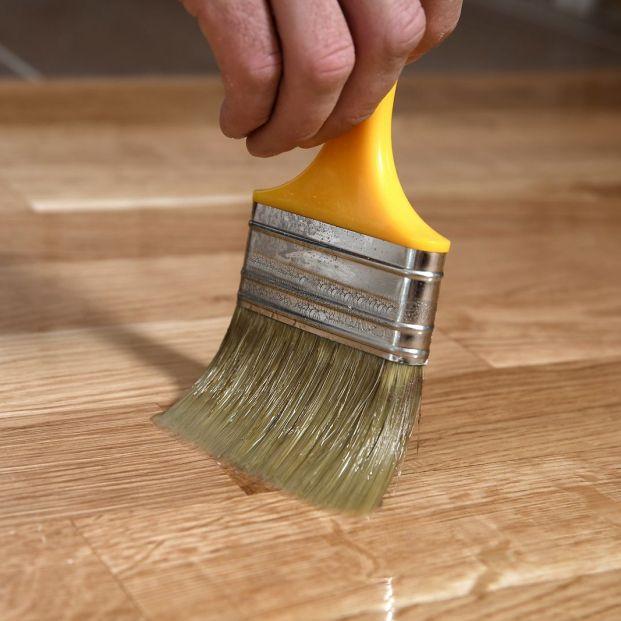 5 soluciones para reparar tu suelo de madera o parqué