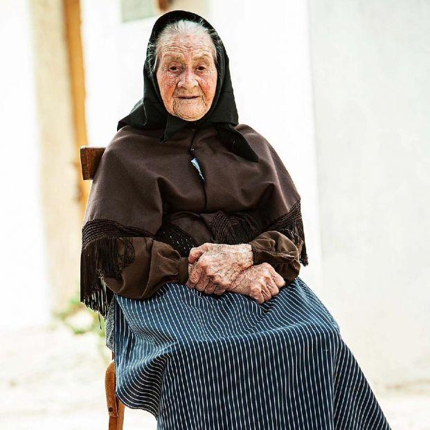 'Viejos', una exposición que mira a la cara a los mayores