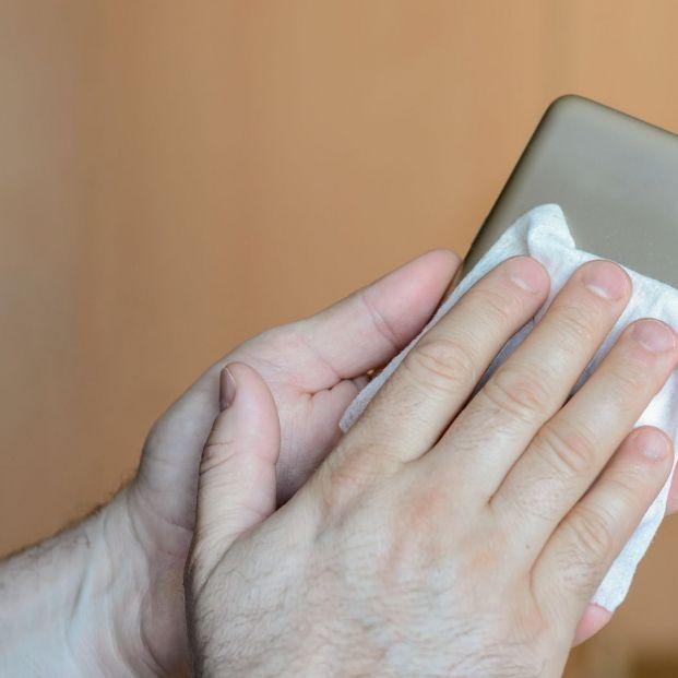 Aprende a desinfectar correctamente la funda de tu móvil