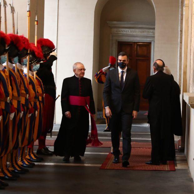 EuropaPress 3392831 presidente gobierno pedro sanchez llegada vaticano recibido regente casa