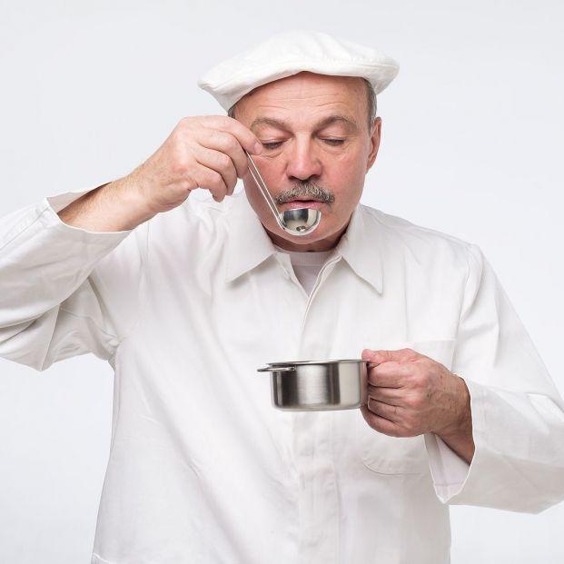 'Comer por los ojos': las personas con mayor respuesta neuronal al ver y oler comida comen en exceso