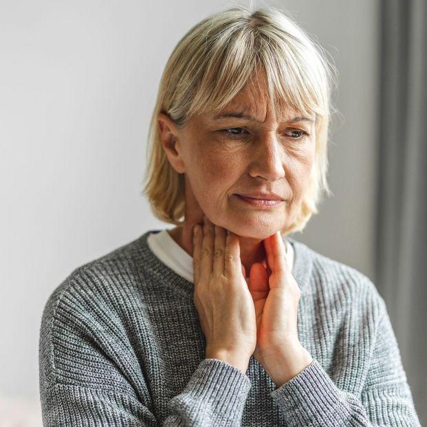 ¿Te duele la garganta por usar el aire acondicionado? Sigue estos consejos para evitarlo