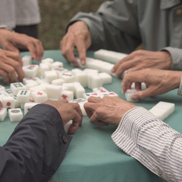 Demuestran que la actividad social reduce el riesgo de demencia en los mayores