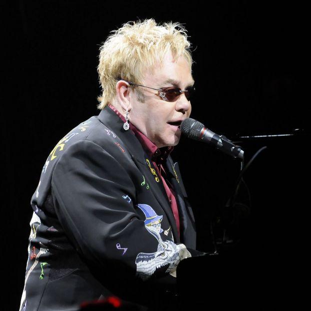 72 años de Elton John, tres grandes éxitos que definieron su carrera (big stock )
