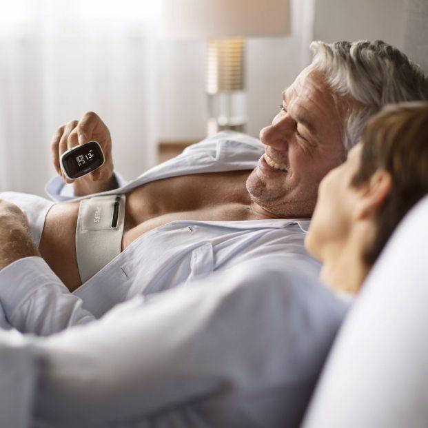 Contra la apnea del sueño posicional: nuevo dispositivo que vibra para que modifiques tu postura