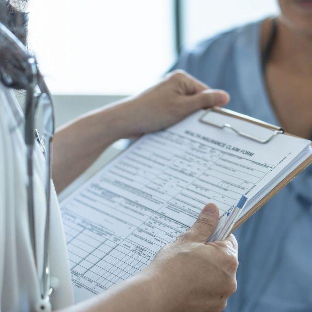 ¿Puedo cobrar la prestación por lesiones permanentes no invalidantes y seguir trabajando?