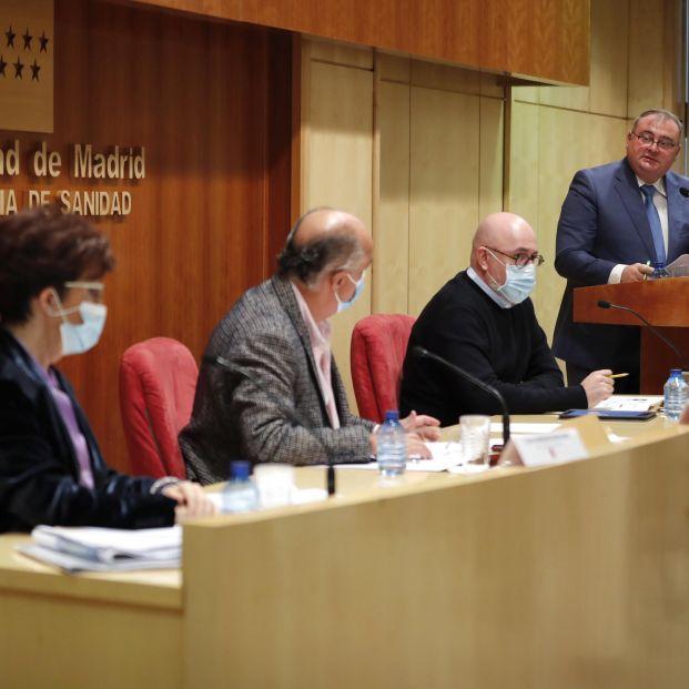 Madrid reconoce que el exceso de protección a los mayores en residencias puede ser perjudicial