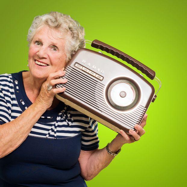 Los universitarios mayores de Galicia se lanzan a las ondas con su propio programa de radio