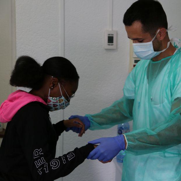 Una niña de 12 años supera el coronavirus tras 45 días hospitalizada