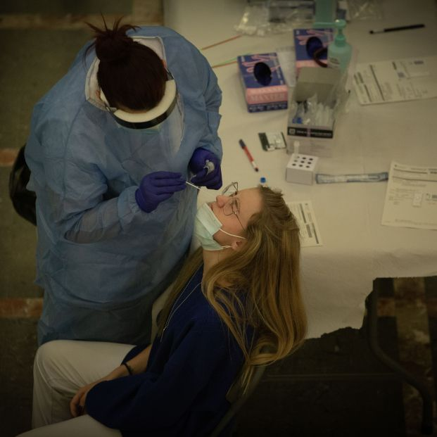Madrid quiere realizar a toda la población test de antígenos gratuitos antes de Navidad