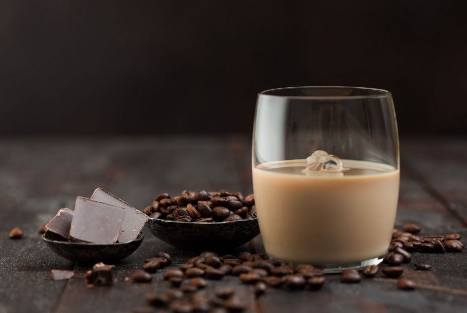bigstock Glass Of Irish Cream Baileys L 371395039