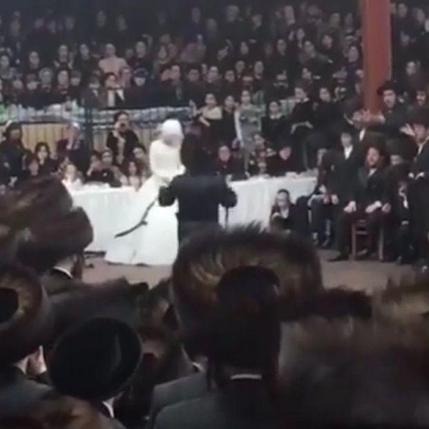 Escándalo por esta boda con 7.000 invitados bailando sin mascarillas