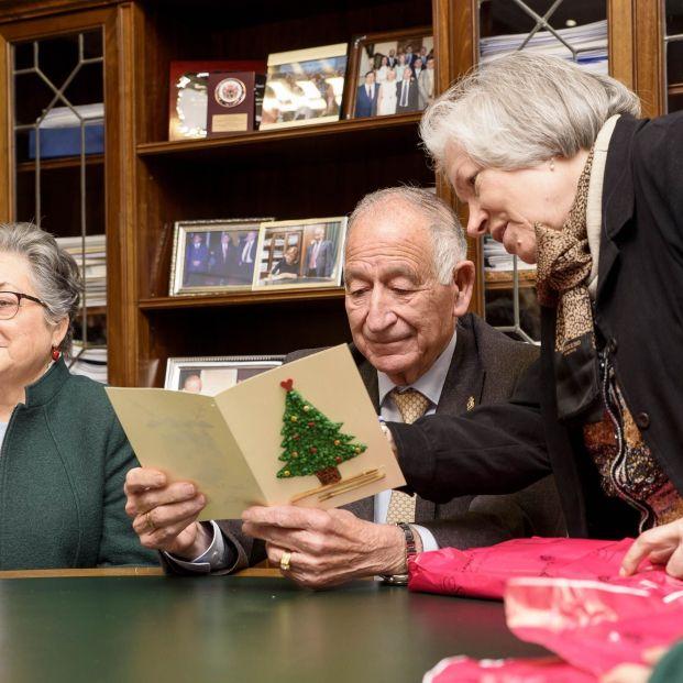 El plan del Gobierno para Navidad: Los mayores en residencias podrán recibir más visitas