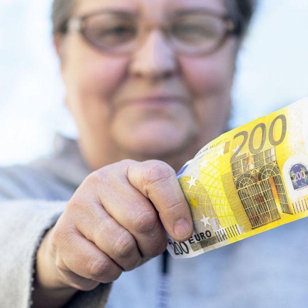 ¿Qué pensionistas verán recortada su paga extra por Hacienda?